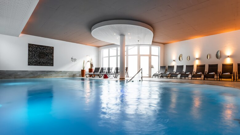 Indoor Pool im Hotel im Paznauntal